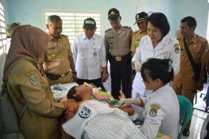 Pemasangan  Implan KB. Foto dok. Diskominfo Kabupaten Ketapang