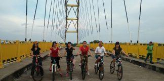 Jembatan Pawan V, saban waktu menjadi pilihan wisata saat ini. Foto : IST