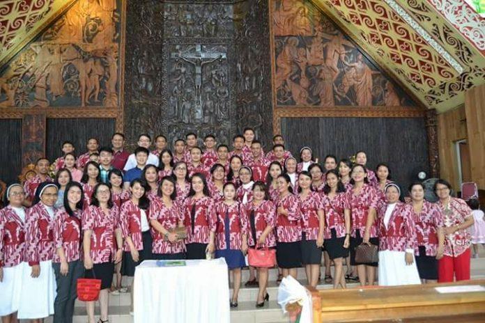 Paduan Suara GSF Saat bertugas koor Misa Minggu Paskah, 1 April 2018, di Gereja St. Gemma Galgani. Foto dok. IST/MONGA.ID