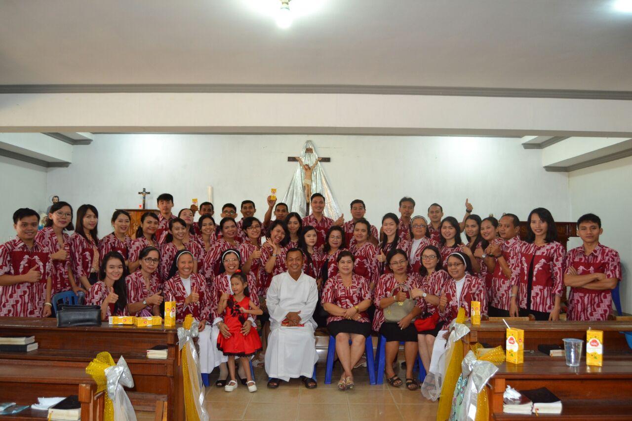 Padus GSF saat bertugas koor Misa Minggu Paskah II, 8 April 2018, di Gereja St. Agustinus - Payak Kumang. Foto IST/MONGA.ID