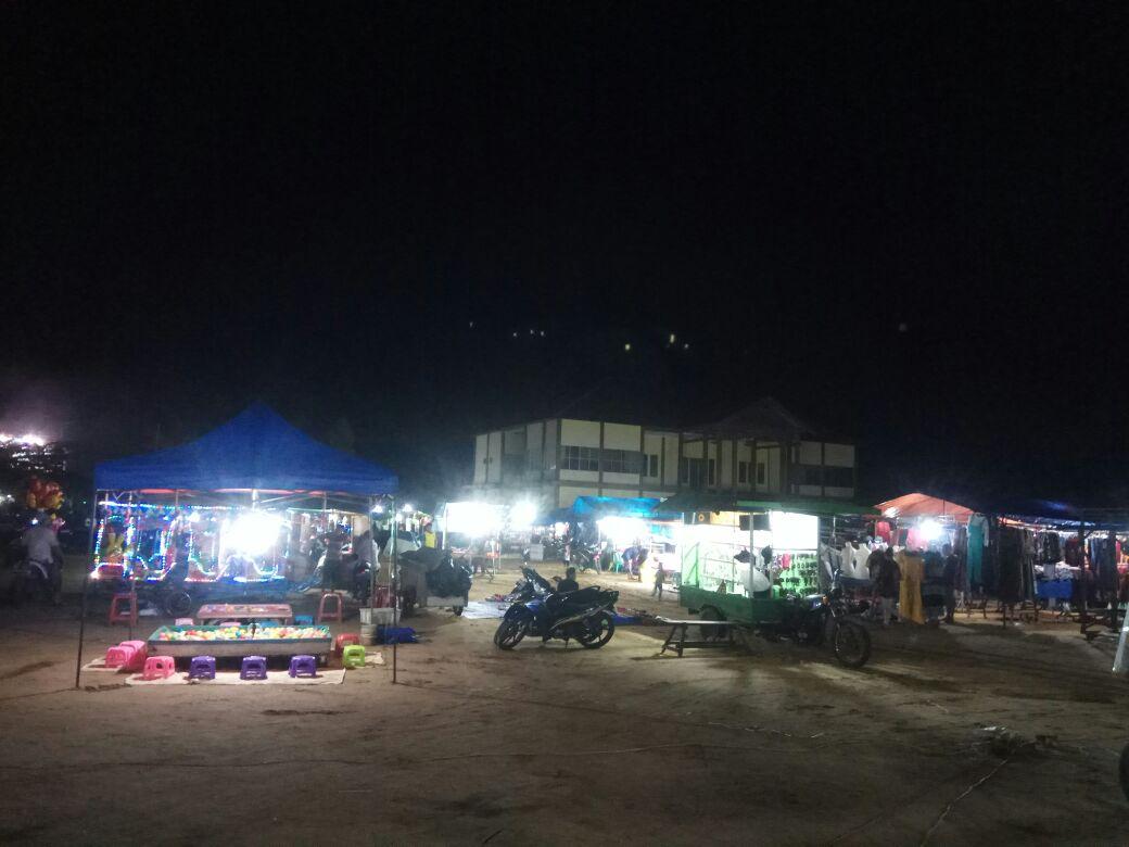 Lapangan Sepakat, Pasar malamnya Kota Ketapang (Foto : MONGA / Bagas)